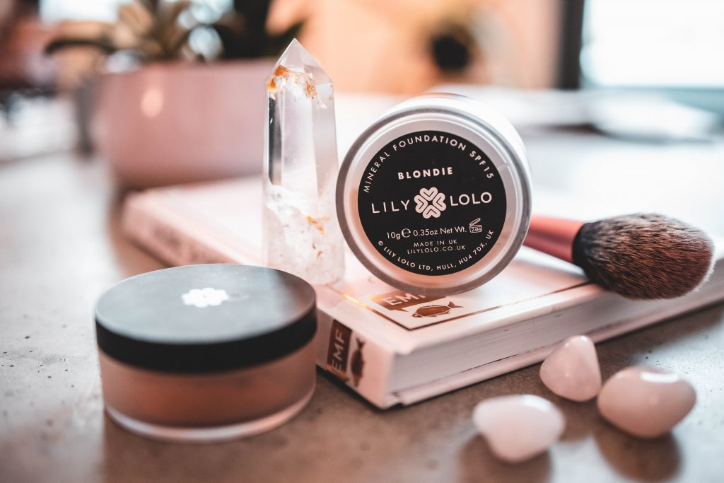 Clean Beauty Favoriten : Lily Lolo Mineral Foundation in Blondie